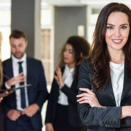 The 8 most important characteristics of a good leader